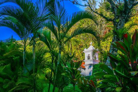 église dans la forêt, vallées centrales